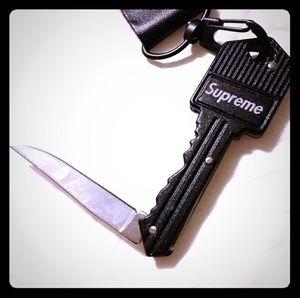 Supreme quality keychain